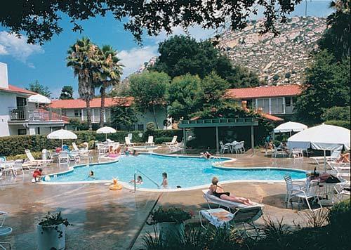 Riviera Oaks Resort And Monarch Grand Vacations At Riviera